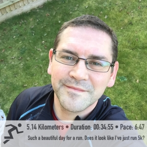 I not only took a post run selfie outside but I did my strechess out in the garden too :)