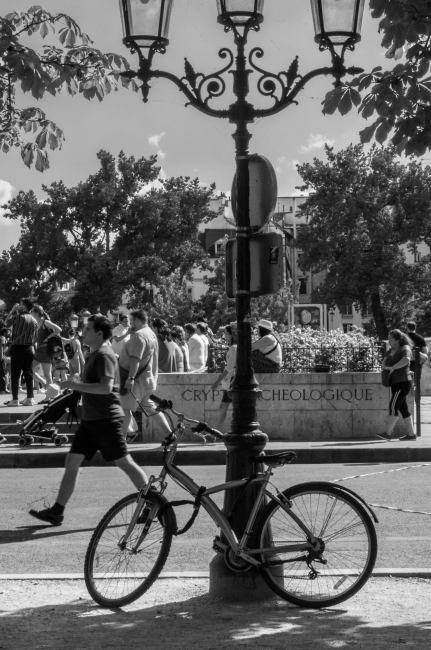 A Parisian Bike, Notre Dame